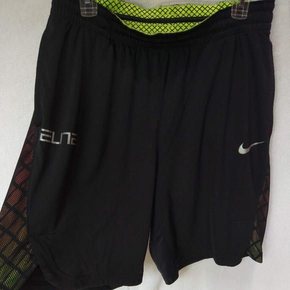 ab231a9552b6 Nike Elite mens basketball shorts. M 5b3123eedf030754a1ffc331